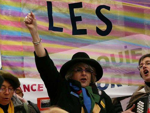 Être une femme en France